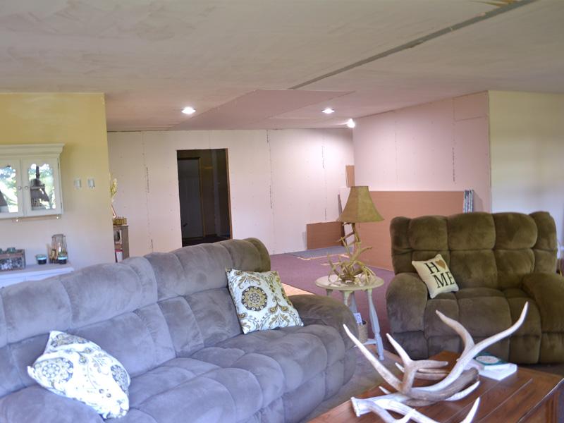 livingroomtoguests