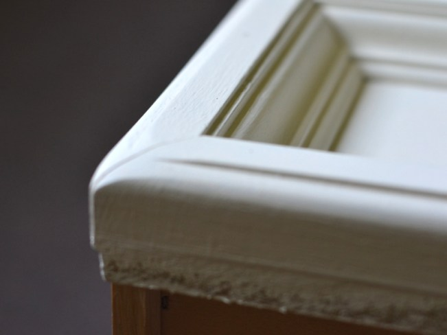 rustoleum white chalk paint on a night stand
