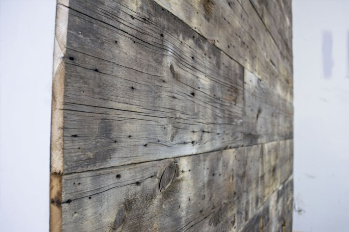 barnwood-wall-_-closeup-of-wall-planks