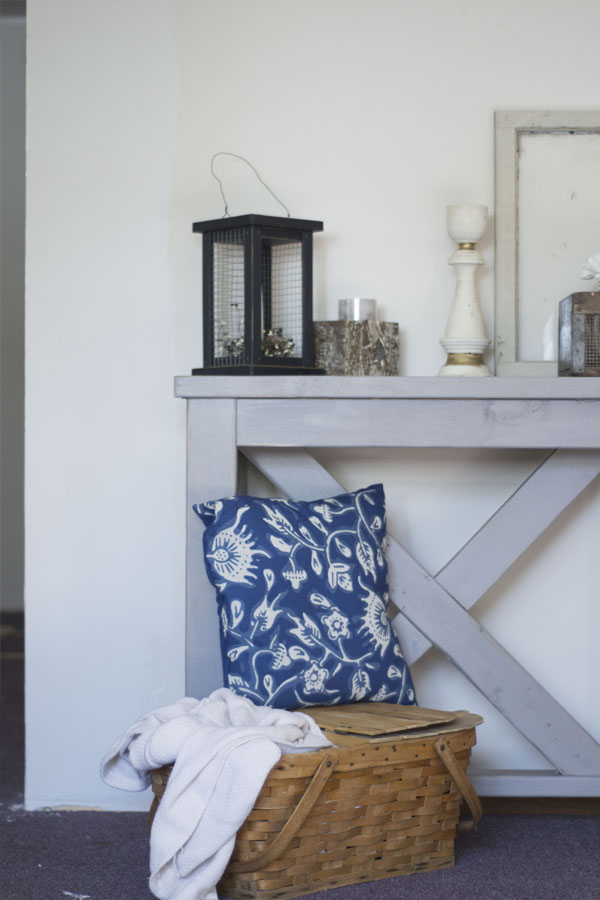 entryway-table-vertical-1