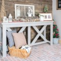 rustic entrway holiday decor