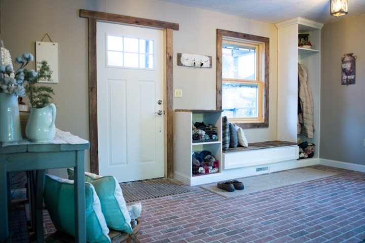 How to Lay Interior Brick Tile