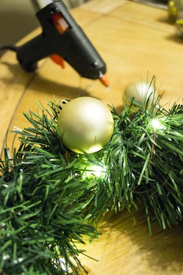 DIY dollar store holiday wreath