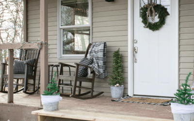 Simple & Rustic Holiday Porch Decor