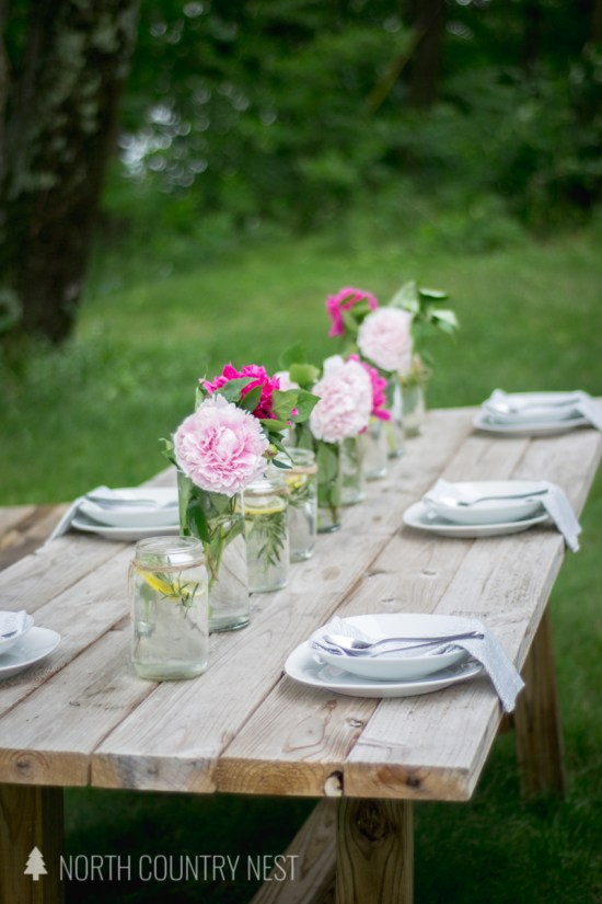 summer table decor with peonies