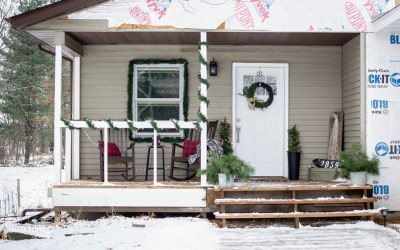 A Rustic Christmas Front Porch Tour + Blog Hop
