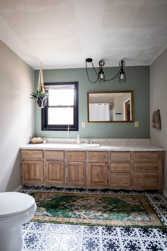 Update your bathroom without breaking the bank with these modern rustic master bathroom decor ideas from North Country Nest!