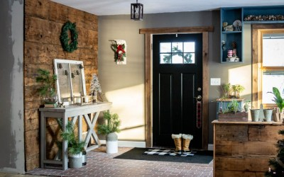 Rustic and Minimal Entryway Holiday Decor + Fireplace Reveal