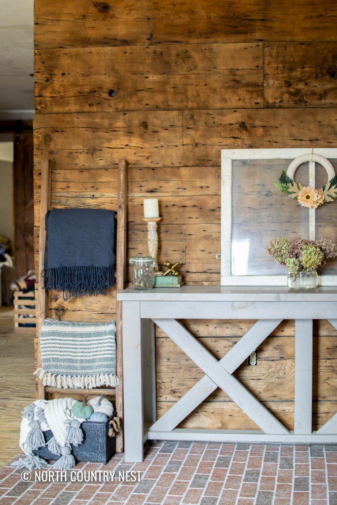 Fall Home Decor Ideas for the Entryway | North Country Nest
