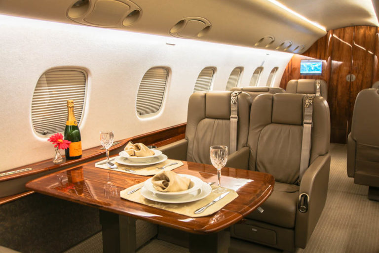 Embraer-Legacy-Private-Jet-Cabin-768x512