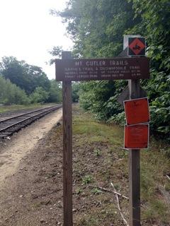 Hike mt cutler in hiram maine northeast hikes mt cutler trailhead sign publicscrutiny Images
