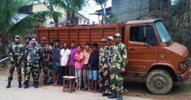 Meghalaya- BSF troops Nabbes 5 Indian, 1 Bangladeshi Smuggler