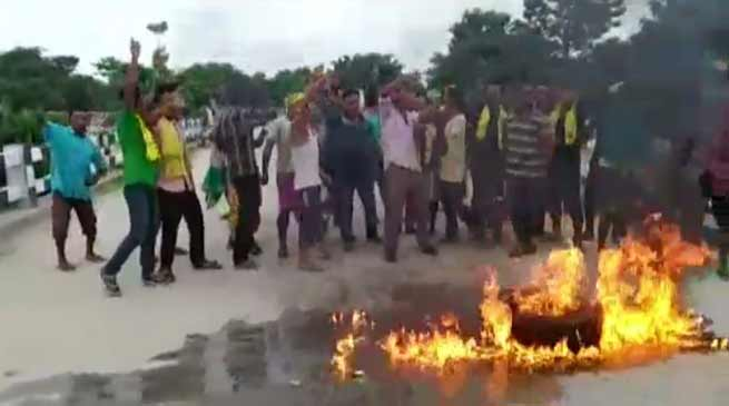 Assam: AKRSU's 36-hour bandh paralysis normal life in Kokrajhar
