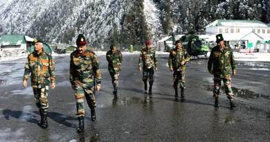 Sikkim: Army commander eastern command visits forward areas of sikkim