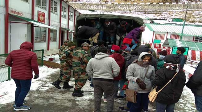 Sikkim: Army evacuates  stranded tourist from Changgu