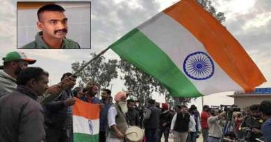 IAF Wing Commander Abhinandan returns live