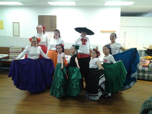 Williams Folklorico Dancers