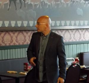 Host Anthony Melchiorri evaluates Red Garter