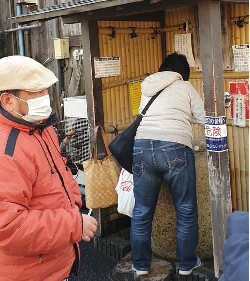 Locals queueuing for the Fushimi spring waters