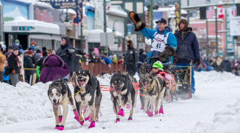 Jessie Holmes off to a great start of Iditarod 2018