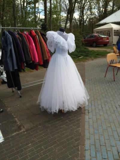 bruidsjurk rommelmarkt