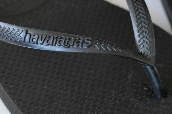 havaianas logo slipper flip slop close up klein