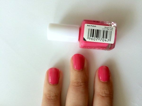 mua_nagellak_swatch_swatches_bright_pink_1_laagje