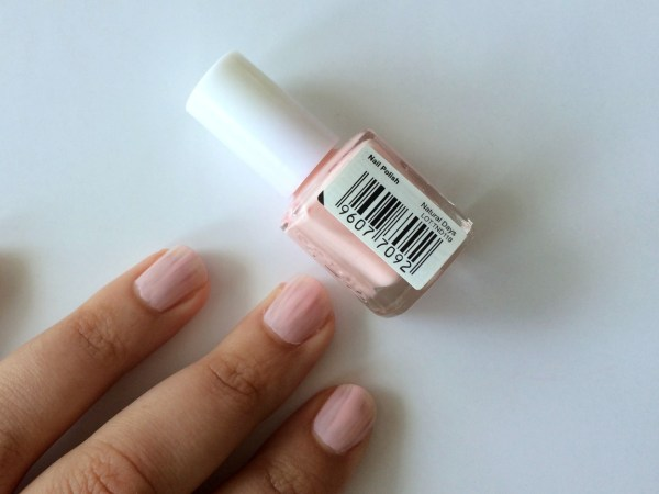 mua_nagellak_swatch_swatches_natural_beauty_2_laagjes
