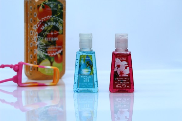 bath_body_works_anti_bacteriele_handgel_review_honolulu_sun_cherry_blossom