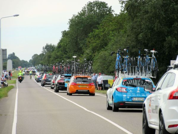 eneco_tour_friesland_sneek_bolsward_peleton