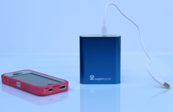 superspot_powerbank_power_bank_iphone_otterbox_review