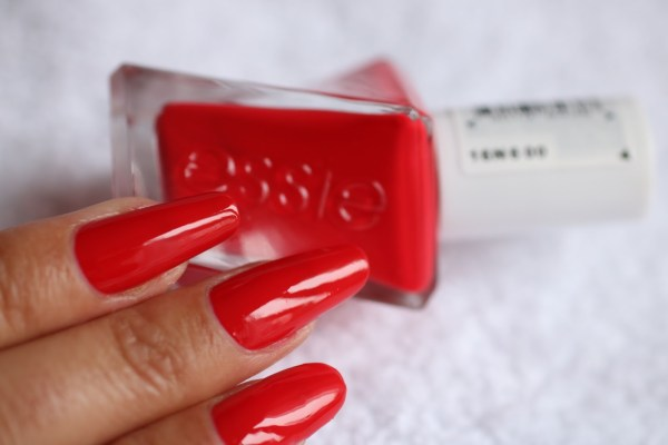 15-rock-the-runway-essie-2