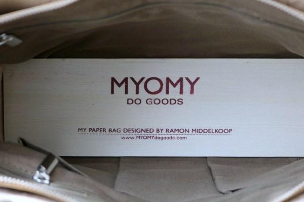review-ervaring-leer-myomy-paper-bag-blog-blogger-foto-draag-dragen-3
