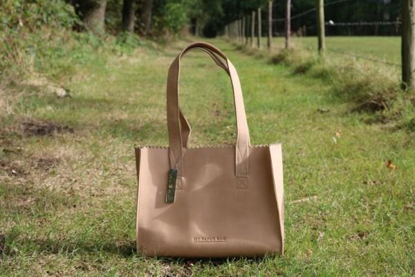 review-ervaring-leer-myomy-paper-bag-blog-blogger-foto-draag-dragen-4