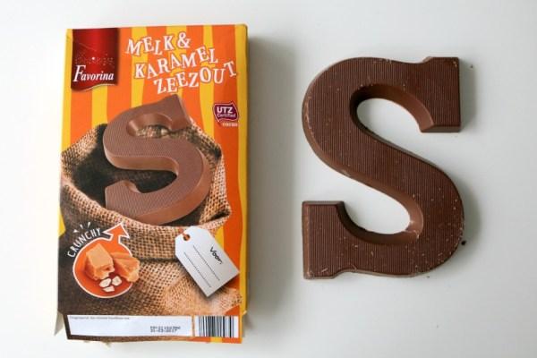 karamel-en-zeezout-chocoladeletter-favorina-lidl