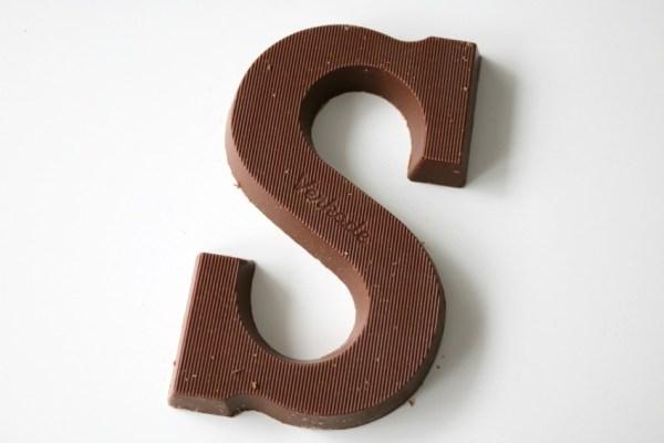 karamel-en-zeezout-chocoladeletter-verkade-letter