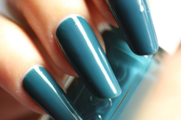 essie teal satin sister winter collectie collection 2016 2017 swatches