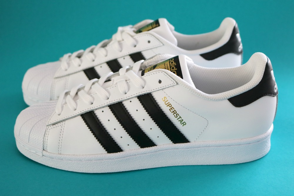 Hey! I put some new shoes on… ♥ Adidas Superstar sneakers