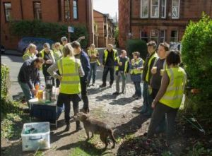 Teabreak during the Yarrow Gardens Lane clean up, April 2015