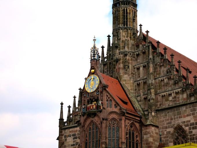 Nürnberg Ostermarkt clock