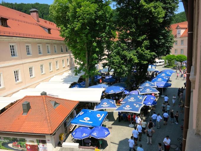 Weltenberg Biergarten