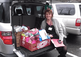 https://i1.wp.com/www.northshoredailypost.com/wp-content/uploads/2020/11/Owner-Janet-Hassell-with-Gifts-for-Seniors.png?fit=320%2C226&ssl=1
