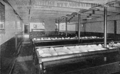 https://i1.wp.com/www.norwayheritage.com/gallery/gallery/Steamship_Companies/Cunard_Line/saxonia-ivernia-steerage-dining.jpg