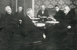 Members of the first Norwegian Nobel Committee members (Left to right): Bjørnstjerne Bjørnson, John Lund, Hans Jacob Horst, chairman Jørgen Løvland, secretary Christian Lous Lange and Carl Berner.