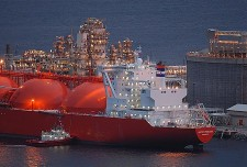 The first tanker with a cargo of liquefied natural gas (LNG) from the Snøhvit field left port at Melkøya near Hammerfest. Photo: Statoil Hydro.
