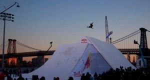 Terje throws down in Manhattan at the TTR World Snowboard Tour 5-Star Red Bull Snowscrapers. Photo: Christian Pondella.