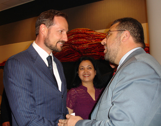 Crown Prince Haakon Magnus with Imam Hendi at the KIM Conference. Photo: US Embassy Oslo.
