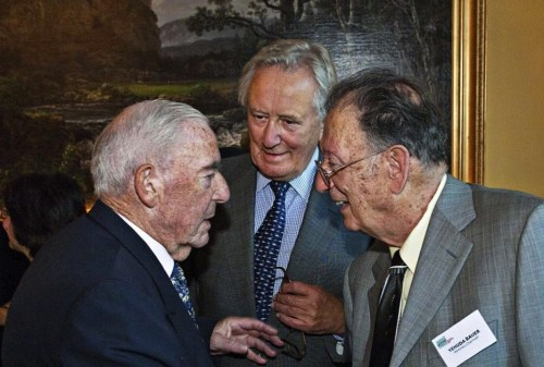 The former speaker of the Norwegian parliament, Mr. Jo Benkow (left), ITF Chair Ambassador Tom Vraalsen and Professor Yehuda Bauer (right). Photo: Olav Erik Storm.