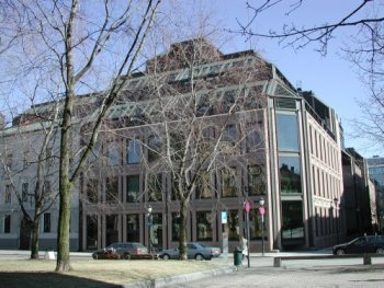Norges Bank's headquarters at Bankplassen in Oslo. Photo: Norges Bank