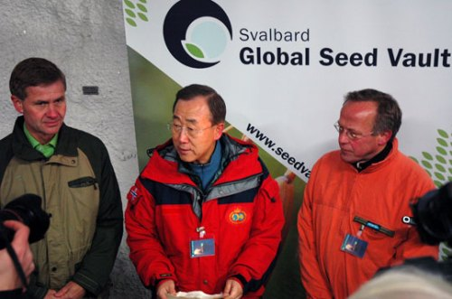 Svalbard Global Seed Vault: Minister of the Environment and International Development Erik Solheim, UN Secretary General Ban Ki-Moon and  Minister of Agriculture and Food Lars Peder Brekk. Photo: Ministry of Agriculture and Food